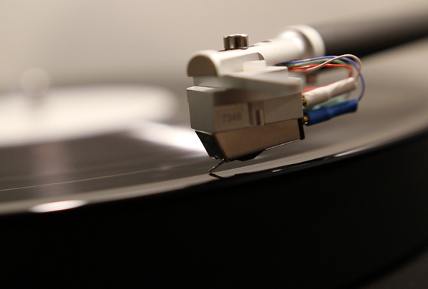 What Are the Best Audiophile Turntables Under $2,000